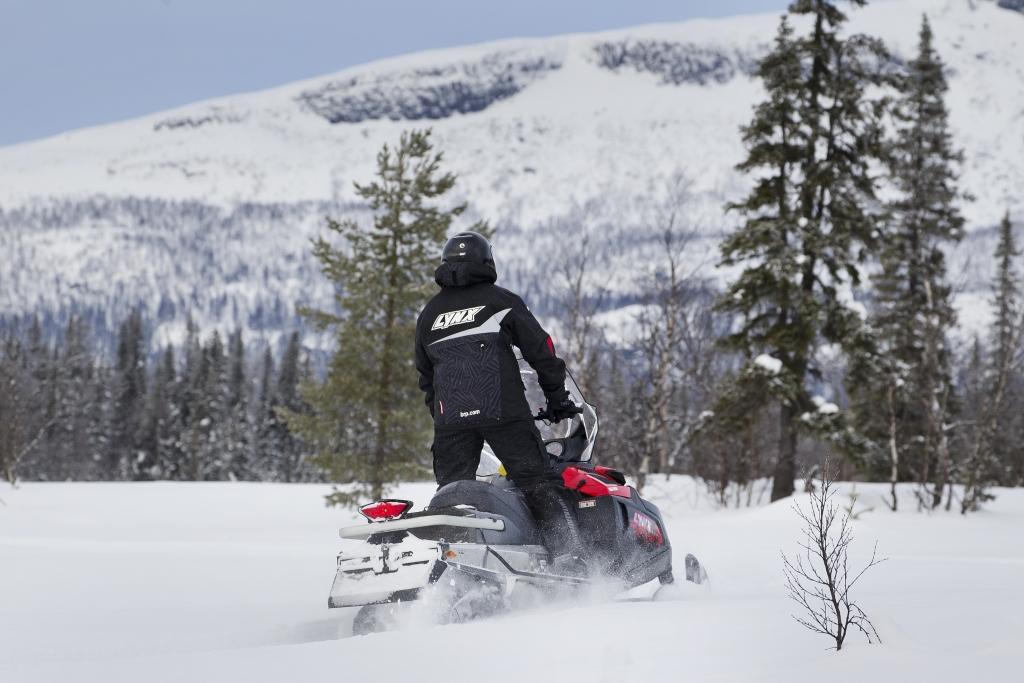 Четырехтактный утилитарный снегоход от BRP, Lynx 59 Yeti