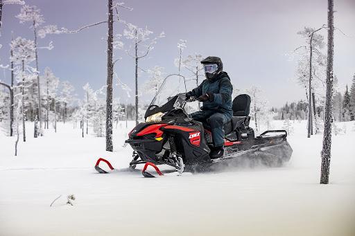 Совершенно новый двухтактный утилитарный снегоход BRP Lynx 59 Ranger 600 EFI 2021